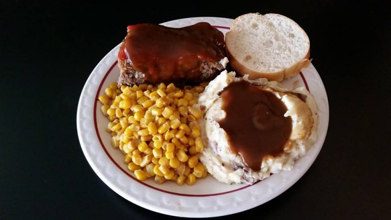 daily specials at smokin ks bbq near belleville